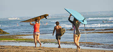 Take a Sri Lanka surfing lesson